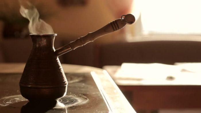М.и.н.е.т — пока варится кофе….
