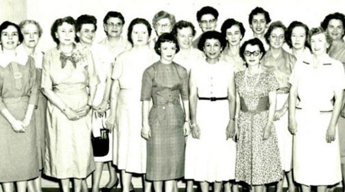 Секретари 1950-х: 11 строгих правил, которым женщины должны были следовать на работе