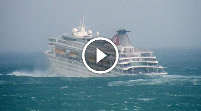 Море волнуется… А в это время на круизном лайнере происходят драматические события!