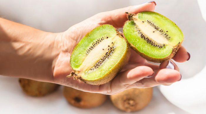 Польза киви: вот что будет с организмом, если съедать 3 киви в день. Потрясающее открытие!
