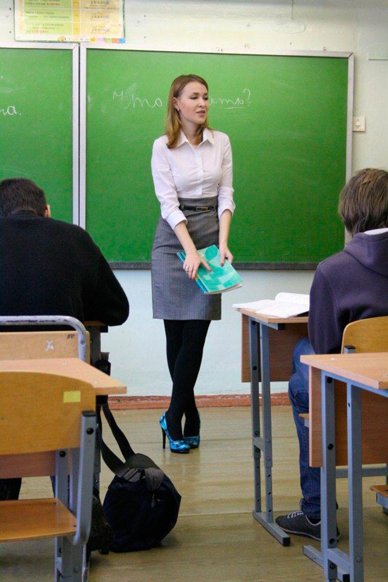 Учитель траънул ученицу у нее дома