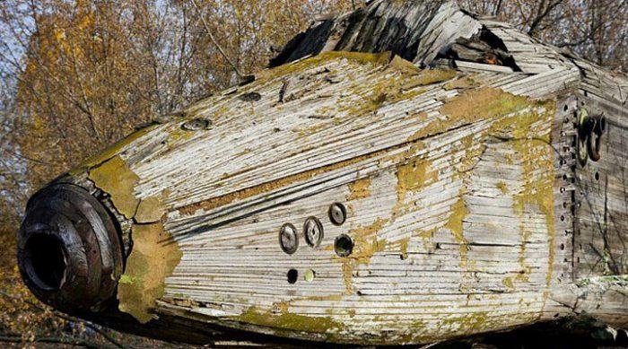 Фотограф нашел заброшенный советский космический челнок и проник вовнутрь