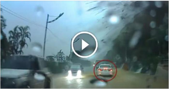 Водитель стал свидетелем настоящего чуда. Не отрывайте глаз от белой машины!