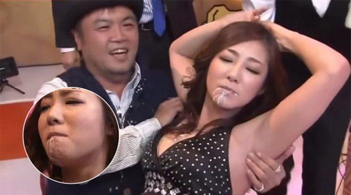 """Это японское шоу называется """"Не глотай"""" и его сценарий вызывает изумление"""