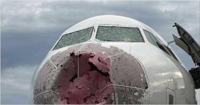 Пилот Акопов совершил героическую посадку аварийного пассажирского лайнера в стамбульском аэропорту. ВИДЕО