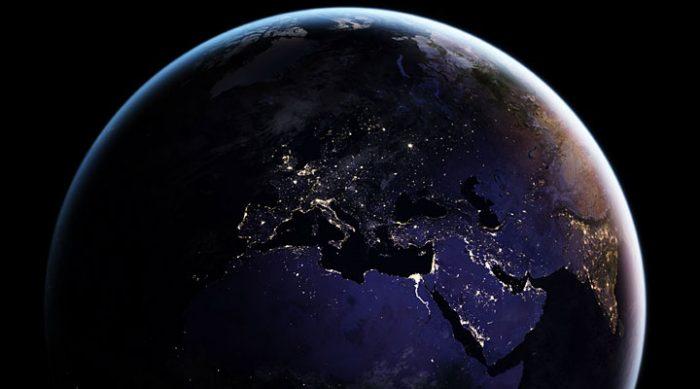 НАСА поделилось самыми новыми фото Земли в ночное время. И они потрясли многих!