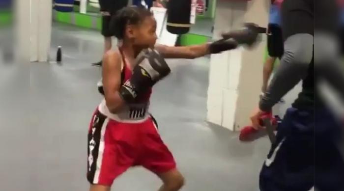 Девочке всего 8 лет, а она делает такое…! Видео 8-летней спортсменки набрало более полутора миллионов просмотров