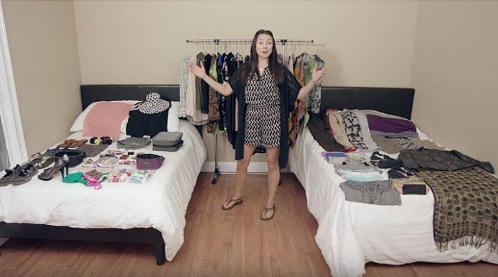 Она упаковала ВСЕ эти вещи в ручную кладь. Только посмотрите, как она это сделала! (ВИДЕО)