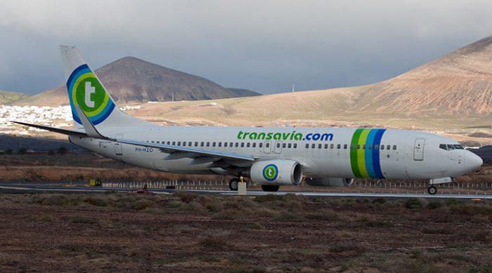 Самолет голландских авиалиний совершил вынужденную посадку после сильного пердежа одного из пассажиров
