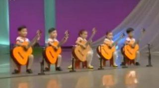 Легендарная «Мурка» в исполнении корейских детей. Нереально крутое исполнение на гитарах! (ВИДЕО)