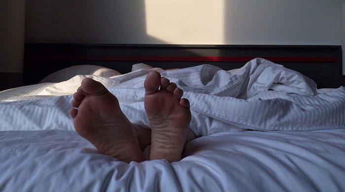 Если вы продолжаете спать после первого звонка будильника, вот что это значит…