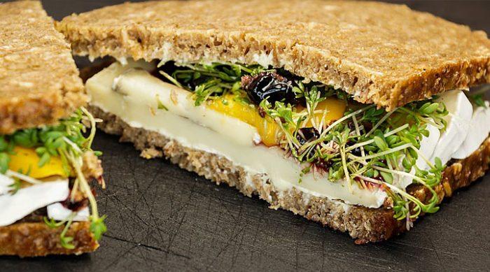 Бутерброды в дорогу: 7 полезных рецептов