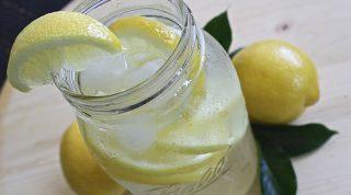 7 полезных свойств воды с лимоном, узнав которые вы пересмотрите свое отношение к этому напитку
