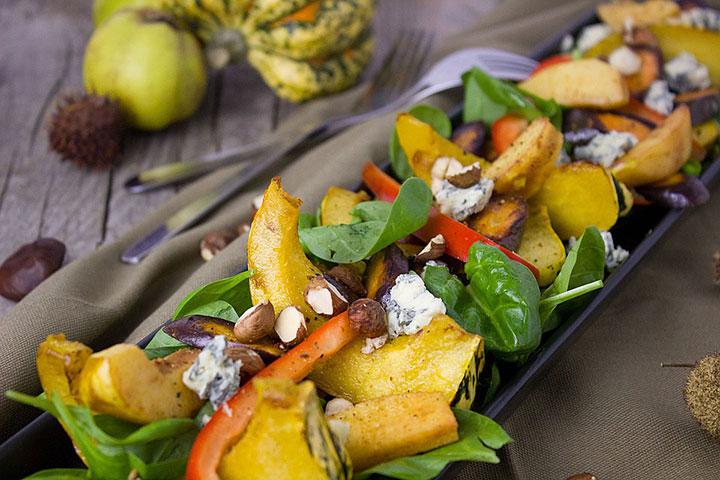 Теплый салат с инжиром и тыквой