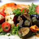 Что приготовить из баклажанов: 7 простых и необычных рецептов