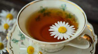 Польза ромашкового чая: 20 свойств, которые заставят вас обратить внимание на этот напиток