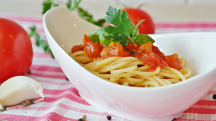 Блюда с томатным соусом