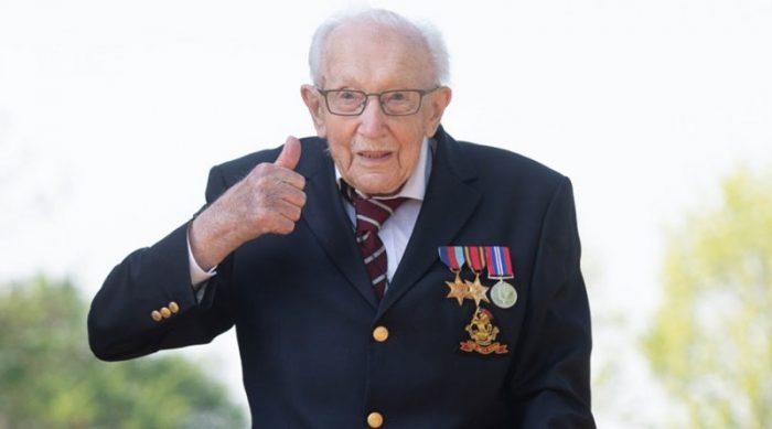 Садовый челлендж, который войдет в историю: ветеран собрал 12 миллионов фунтов для врачей