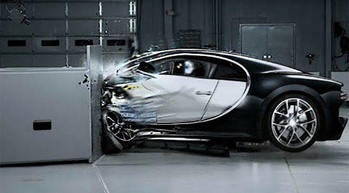 Такого краш-теста вы еще не видели! Самые дорогие авто за секунды превратились в хлам (Видео)