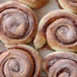 Как приготовить идеальные булочки с корицей